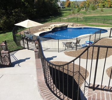 Massive-deck-and-stairs-lead-to-pool